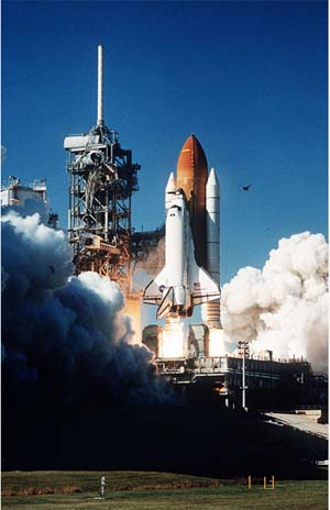 space shuttle discovery liftoff - photo #14